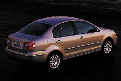 VW Polo 9N Viertürer Aussenansicht Seite schräg erhöht statisch silber