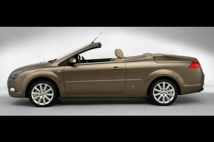 Ford Focus MK2 Cabrio Studio Aussenansicht Seite statisch braun