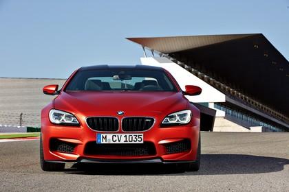 BMW M6 Coupé F13 Aussenansicht Front statisch rot