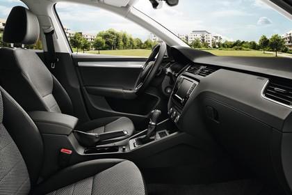 Skoda Octavia 5E Limousine Innenansicht Vordersitze und Armaturenbrett beifahrerseitig