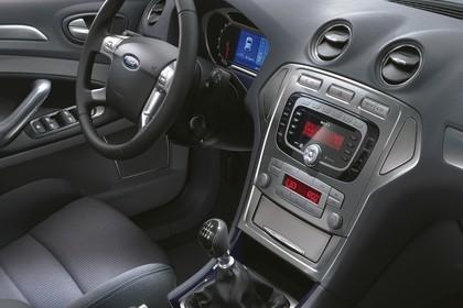 Ford Mondeo Mk4 Innenansicht statisch Studio Fahrersitz und Armaturenbrett beifahrerseitig