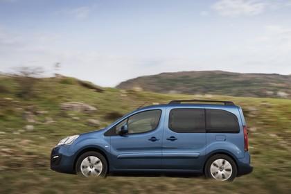 Citroën Berlingo Multispace 7 Aussenansicht Seite dynamisch blau