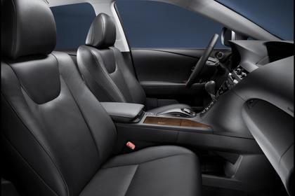 Lexus RX AL1 Studio Innenansicht Vordersitze statisch schwarz