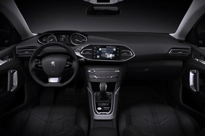 Peugeot 308 SW T9 Innenansicht statisch Studio Vordersitze und Armaturenbrett