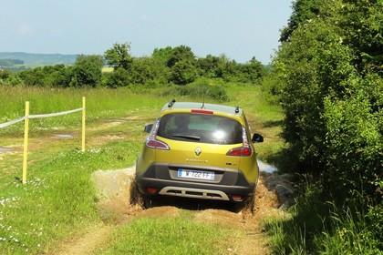 Renault Scenic XMOD JZ Facelift Aussenansicht Heck dynamisch gelb
