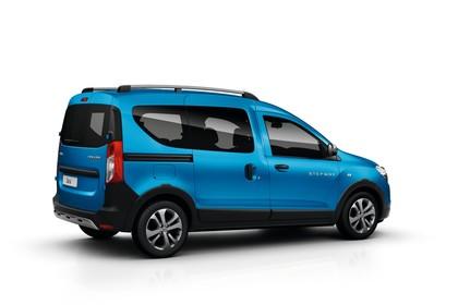 Dacia Dokker Stepway SD Aussenansicht Seite schräg statisch Studio blau