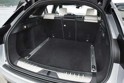 Land Rover Range Rover Velar Innenansicht Detail Kofferraum statisch schwarz