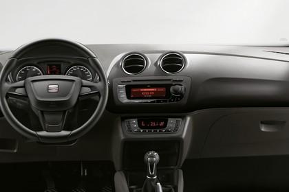 SEAT Ibiza ST 6P Innenansicht Armaturenbrett fahrerseitig