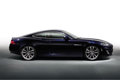 Jaguar XK Coupé X150 Studio Aussenansicht Seite statisch blau