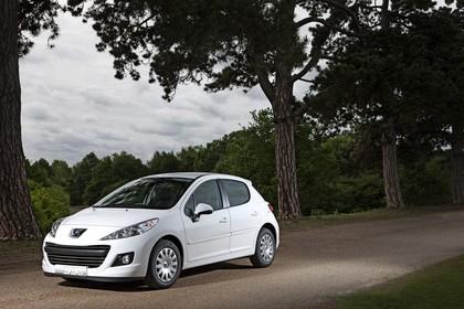 Peugeot 207 Aussenansicht Front schräg statisch weiss