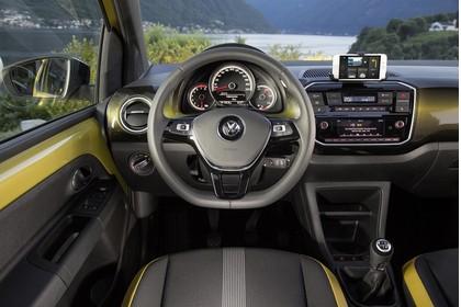 VW UP! Innenansicht Fahrerposition statisch grau gold