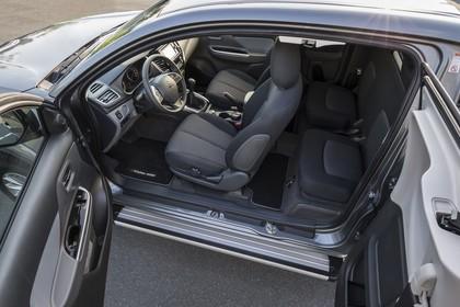 Mitsubishi L200 5 Innenansicht Kabine statisch schwarz
