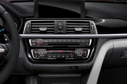 BMW M4  F82/F83 Innenansicht Detail Mittelkonsole Studio statisch schwarz