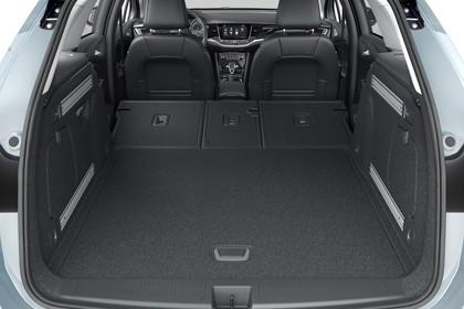 Opel Astra K Sports Tourer Innenansicht Kofferraum Sitzbank umgeklappt statisch schwarz
