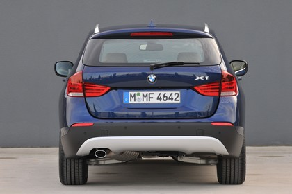 BMW X1 E84 Aussenansicht Heck statisch dunkelblau