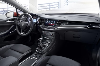 Opel Astra K 5türer Innenansicht Beifahrerposition statisch schwarz