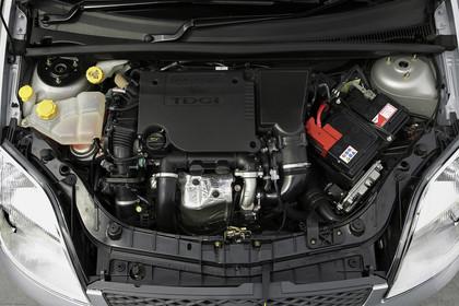 Ford Fiesta MK6 Aussenansicht Detail Motor statisch schwarz