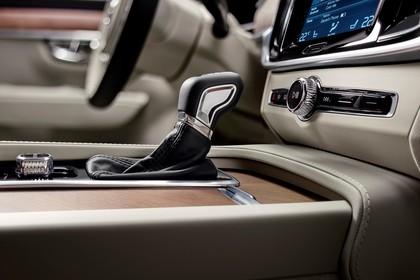 Volvo S90 Innenansicht statisch Studio Detail Schalthebel