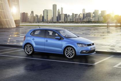 VW Polo 6R Facelift Fünftürer Aussenansicht Front schräg statisch blau