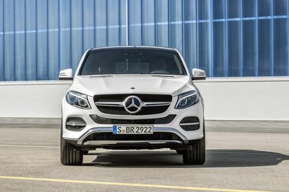 Mercedes-Benz GLE Coupe C292 Aussenansicht Front statisch weiss