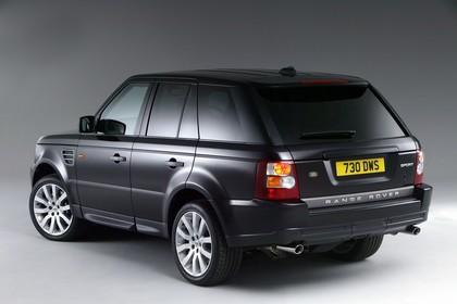 Land Rover Range Rover Sport LS Studio Aussenansicht Heck schräg statisch schwarz