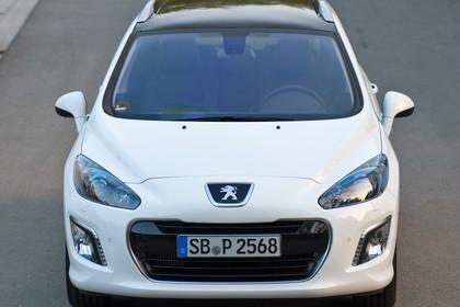 Peugeot 308 SW 4J Facelift Aussenansicht Front statisch weiss