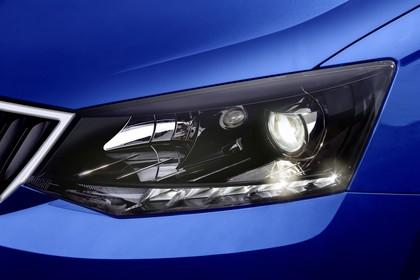 Skoda Fabia 3 Schrägheck Front statisch Scheinwerfer detail blau
