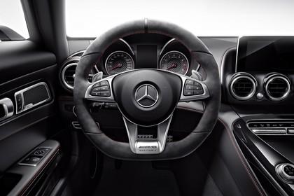 Mercedes-AMG GT Roadster C190 Innenansicht Studio statisch schwarz
