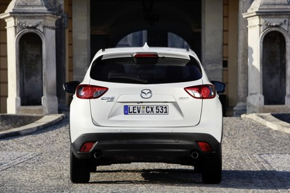 Mazda CX-5 KE Aussenansicht Heck statisch weiss