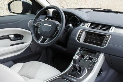 Range Rover Evoque L538 Innenansicht Beifahrerposition statisch weiss