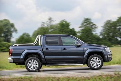 VW Amarok Aussenansicht Seite dynamisch grau