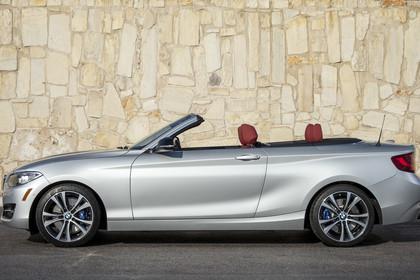 BMW 2er Cabrio F23 Aussenansicht Seite statisch silber