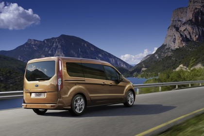 Ford Grand Tourneo Connect PJ2 Heck schräg dynamisch braun