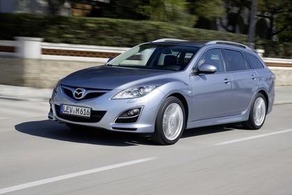 Mazda 6 Kombi GH Aussenansicht Front schräg dynamisch silber