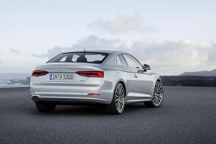 Audi A5 Coupe Aussenansicht Heck statisch silber