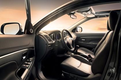 Citroën C4 Aircross B Innenansicht statisch Vordersitze und Armaturenbrett fahrerseitig