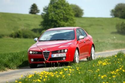 Alfa Romeo 159 939 Aussenansicht Front schräg dynamisch rot