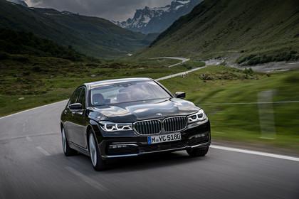 BMW 7er G11/G12 Aussenanansicht Front dynamisch grau