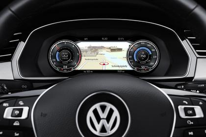VW Passat B8 Variant Innenansicht Digitaltacho