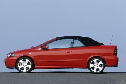 Opel Astra G Cabrio Seite statisch rot
