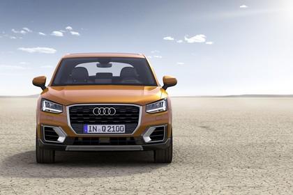 Audi Q2 Aussenansicht Front statisch gold