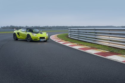 Lotus Elise S Cup 3 Aussenansicht Front schräg statisch grün