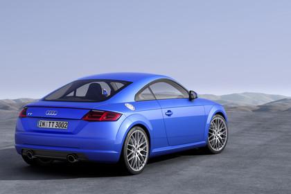 Audi TT 8S Aussenansicht Heck schräg statisch blau