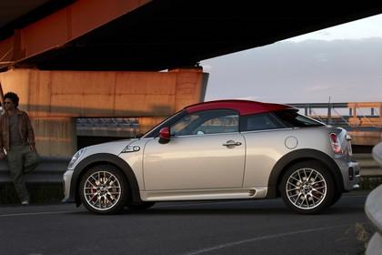 Mini Coupe R58 Aussenansicht Seite statisch silber