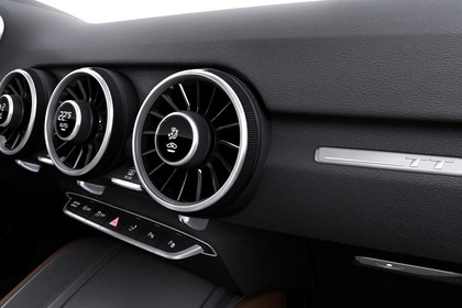 Audi TT 8S Innenansicht Detail Lüftungsdüsen Studio statisch schwarz