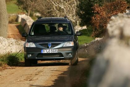 Dacia Logan MCV Aussenansicht Front  statisch dunkelblau
