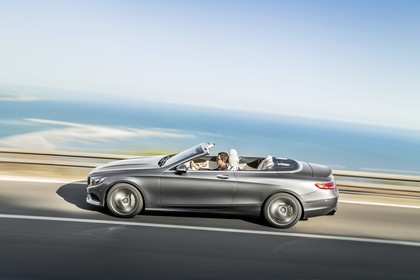 Mercedes-Benz S-Klasse Cabriolet A207 Aussenansicht Seite dynamisch silber