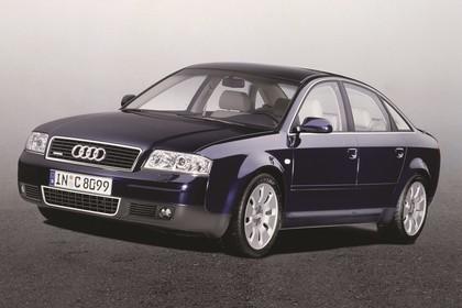 Audi A6 Limousine C5 Facelift Aussenansicht Front schräg statisch Studio dunkelblau