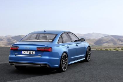 Audi A6 C7 Aussenansicht Heck schräg statisch blau