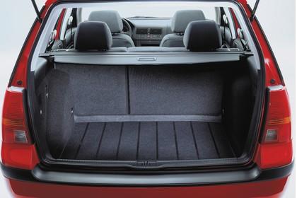 VW Golf IV Variant Heck Kofferraum geöffnet Studio statisch schwarz